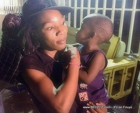 PHOTO: A Haiti mother and child deported at midnight from the Dominican Republic