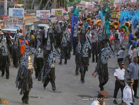 Haiti - CARIFESTA XII Carnival like atmosphere, Camionettes, Parade