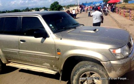 PHOTO: Haiti Diplomatic Vehicle blocking Ouanaminthe Dajabon Border