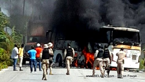 PHOTO: Haiti - Moun Arcahaie BOULE yon Bus Compagnie Sans-Souci