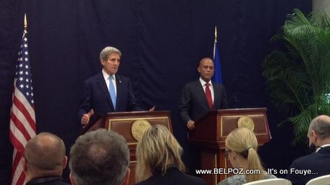 PHOTO: Haiti - John Kerry and President Michel Martelly in a Press Conference
