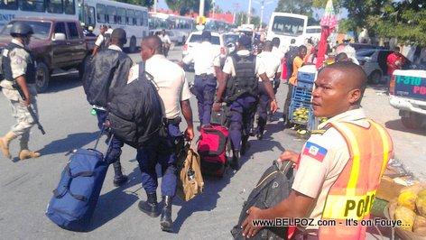 PHOTO: Haiti Elections Day - La Police Mobilize, Policiers yo debake nan tout peyi a...