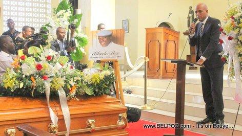 PHOTO: Haiti - President Martelly ap pale nan Funerailles BLACK ALEX