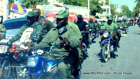 PHOTO: Haiti ex-Military in the Streets of Port-au-Prince