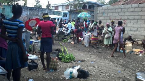 PHOTO: Haiti - Jou Marche Nan Ville Hinche