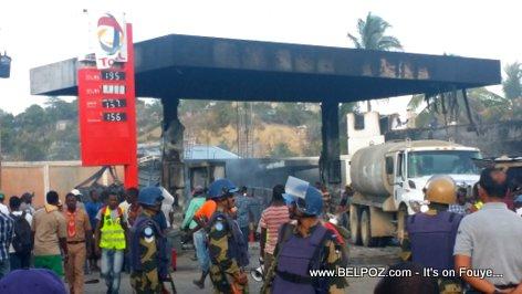PHOTO: Haiti - Haiti - Station Gazoline Total HINCHE la BOULE
