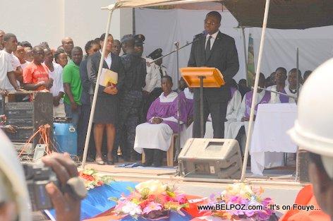Photo - Hinche Haiti, Depute Caleb Desrameaux, Funerailles Victim DIFE Pump Gasoline