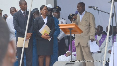 Photo - Hinche Haiti, Papa yonn nan victim yo, Funerailles Victim DIFE Pump Gasoline