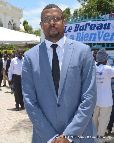 PHOTO: Haiti - Depute Gary Bodeau nan Ordination Eveque Desinord Jean nan ville Hinche