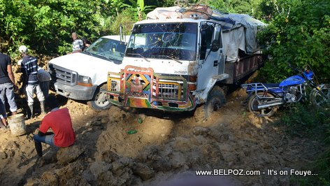 PHOTO: Driving in Haiti - BAD Road Conditions - Savannette Sou Dlo