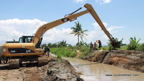 Haiti Agriculture -  Clearing of  Irrigation Canals - Caravane Changement President Jovenel Moise