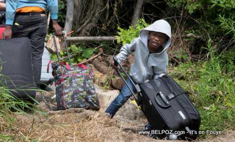 PHOTO: Haitians with TPS fleeing the U.S. across the border to Canada