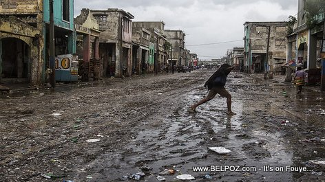 Ugly picture of Downtown Port-au-Prince Haiti featured in a World Bank article