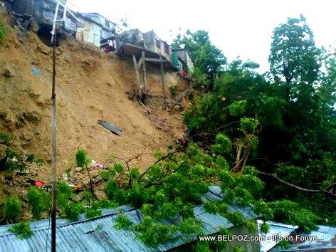 Glissement de terrain Carrefour Feuilles Haiti akoz tout lapli ki tonbe yo - Environment