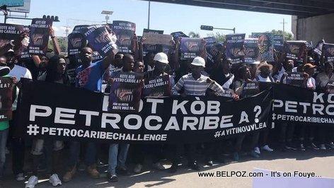 PHOTO: Kote Kob PetroCaribe a #PetroCaribeChallenge - Haitians Protesting
