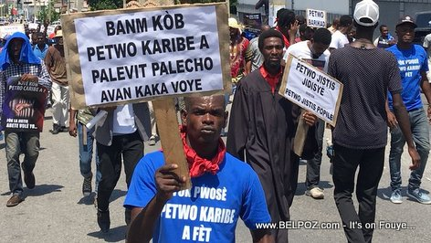 Haiti PetroCaribe street protest sign: Give the money before things get worse