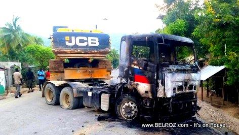 Milot Haiti - Pep la boule yon traktè TPTC