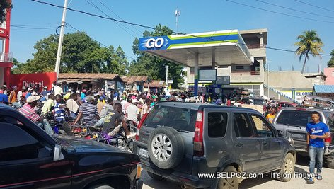PHOTO: Long lines at the Gas Pumps - GO Gas Station, Hinche Haiti