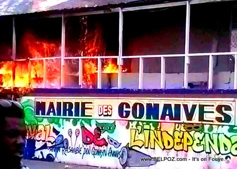 Kanaval Gonaives - Zefeyis mete dife sou Stand Mairie des Gonaives