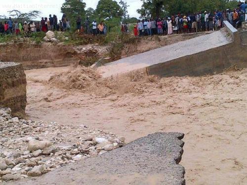 Ganthier Haiti - Collapsed Bonnet Bridge (Pont Bonnet) - Hurricane Sandy