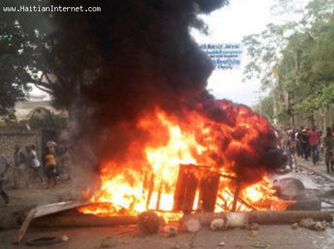 Photo - Manifestation in Jacmel Haiti - 19 Nov 2012