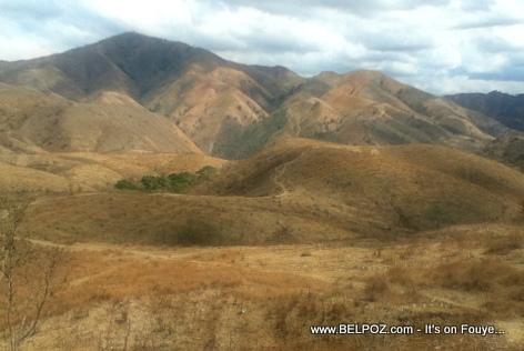 Deforestation in Haiti - View of Haiti's deforested mountains near Los Cacaos, Plateau Central Haiti