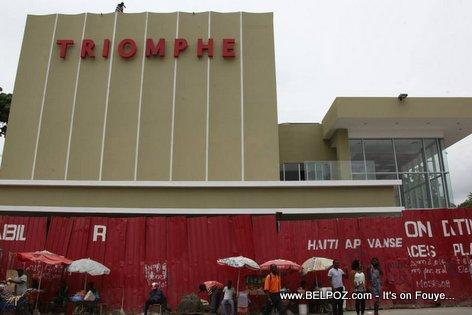 PHOTO: Haiti - Ciné Triomphe Prèske Pare