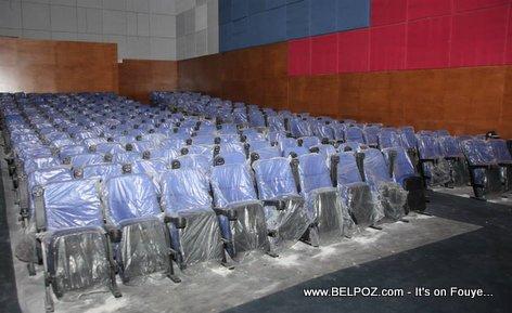 PHOTO: Haiti - Bèl chèz cinema tou nèf andedan Ciné Triomphe