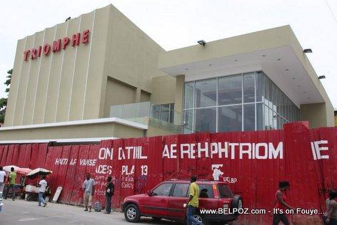 PHOTO: Haiti - Ciné Triomphe Prèske Pare, tòl wouj saa pwal ateri LOL...