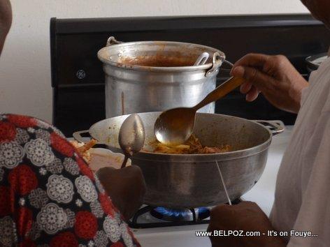 Haiti Blagues - Le Dinner (Yon Profesè ki ap bay leson, Manje a pare) LOL...