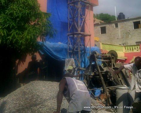 PHOTO: Bos Mason Haitien ap Koule Beton nan Sen Domeng...