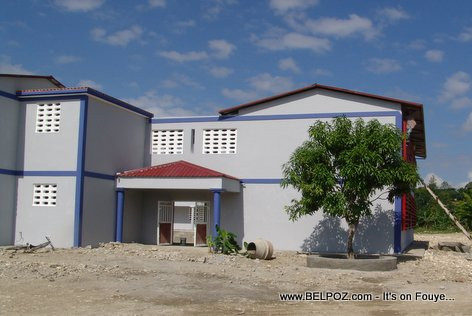 PHOTO: Haiti - Nouveau Lycee Charlemagne Peralte de Hinche