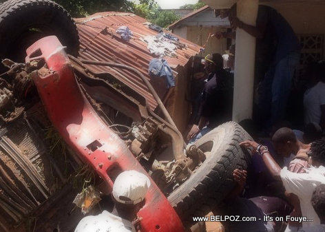 PHOTO: Haiti - Traffic Accident sou Morne Tapion