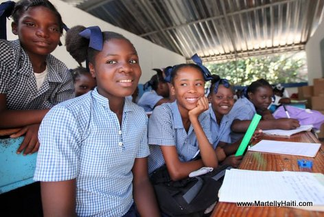 PHOTO: Haiti - Elev Lekol Piblik nou yo (Public School Students)