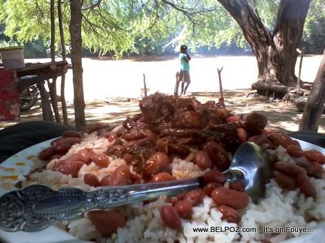PHOTO: Boc Banic Haiti - Yon bèl plat Diri Sòs Pwa ak Vyann bò Latibonit, 50 Goud