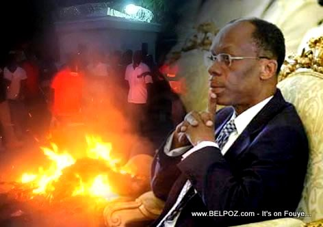 Collage - Fire in front of Aristide Mansion in tabarre - President Aristide