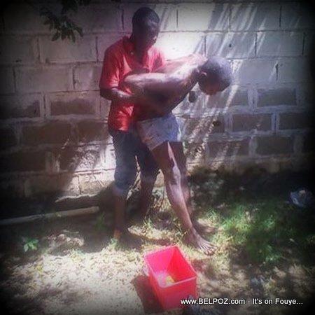 Haiti - Un malfaiteur ressuscite sa victime ensorcelee, sous contrainte de la police (Video)