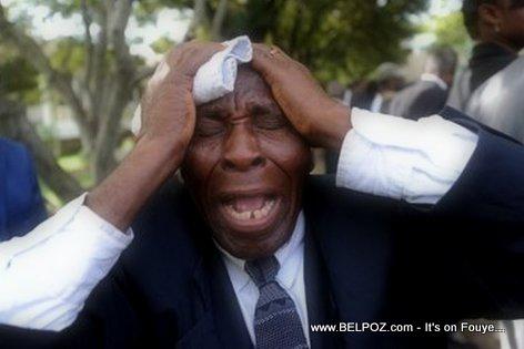 PHOTO: Haiti - Granmoun ap kriye nan lantèman Jean Claude Duvalier...