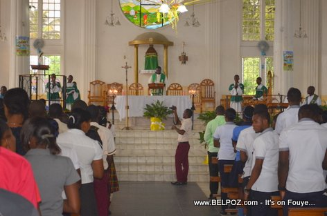 PHOTO: Haiti - Residents of Hinche gather at the Cathedral to commemorate the death of Charlemagne Peralte