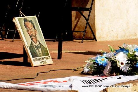 PHOTO: Gerbes de Fleurs pour Charlemagne Peralte, 31 Oct 2014 - Hinche Haiti