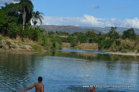 PHOTO: Haiti - Benyen Larivyè a la campagne, Bon bagay...