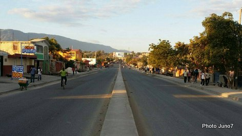 PHOTO: Grève/Strike in Haiti, the streets of Port-au-Prince are empty...