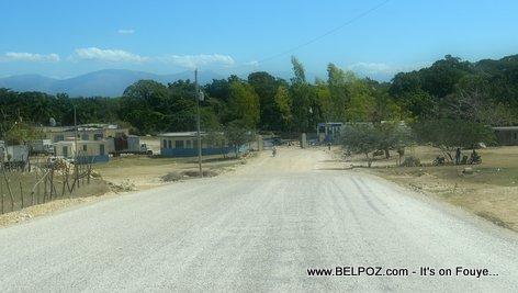 PHOTO: Haiti - Route la Asphalte rive jouk devan Douanne Belladere la...