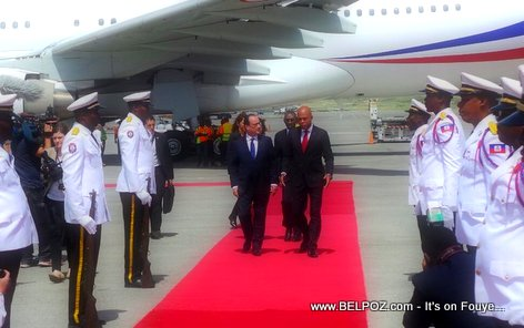 PHOTO: Haiti - Presidents Francois Hollande and Michel Martelly
