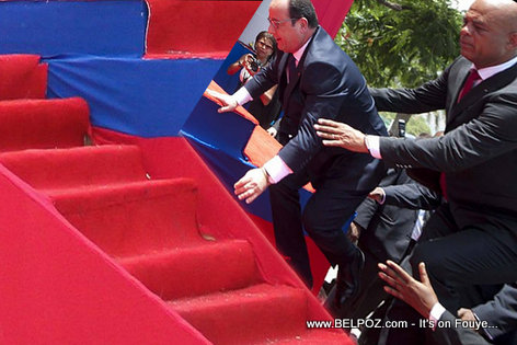 PHOTO: Haiti - Men Rezon Francois Hollande te tonbe a...